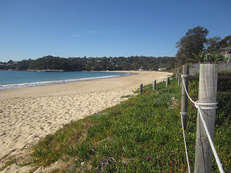Horderns beach 80m from Tui Cottages