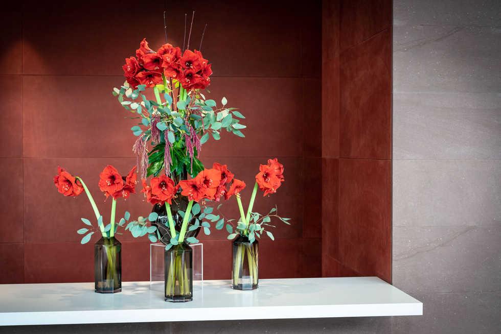 portico flowers (1 of 2).jpg