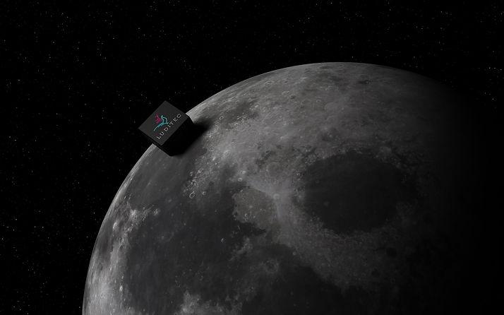 Luna REALISTA.jpg