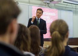 Ministeri Häkkänen: Tekoälyn hyödyntäminen edellyttää perusoikeuksien ja eettisten sääntöjen noudatt
