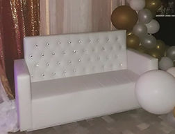 ARMED LOUNGE LOVESEAT