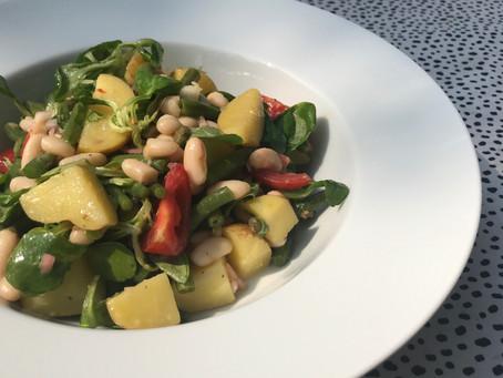 supersalade met vanalles uit de koelkast