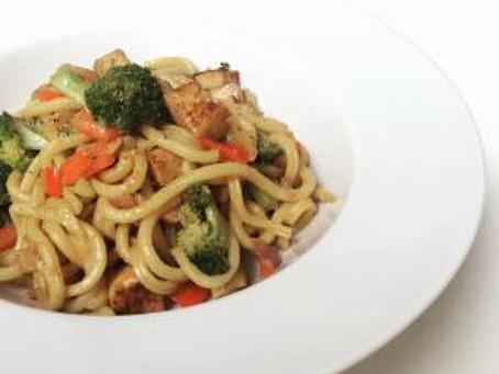 noodles met tahoe & groenten