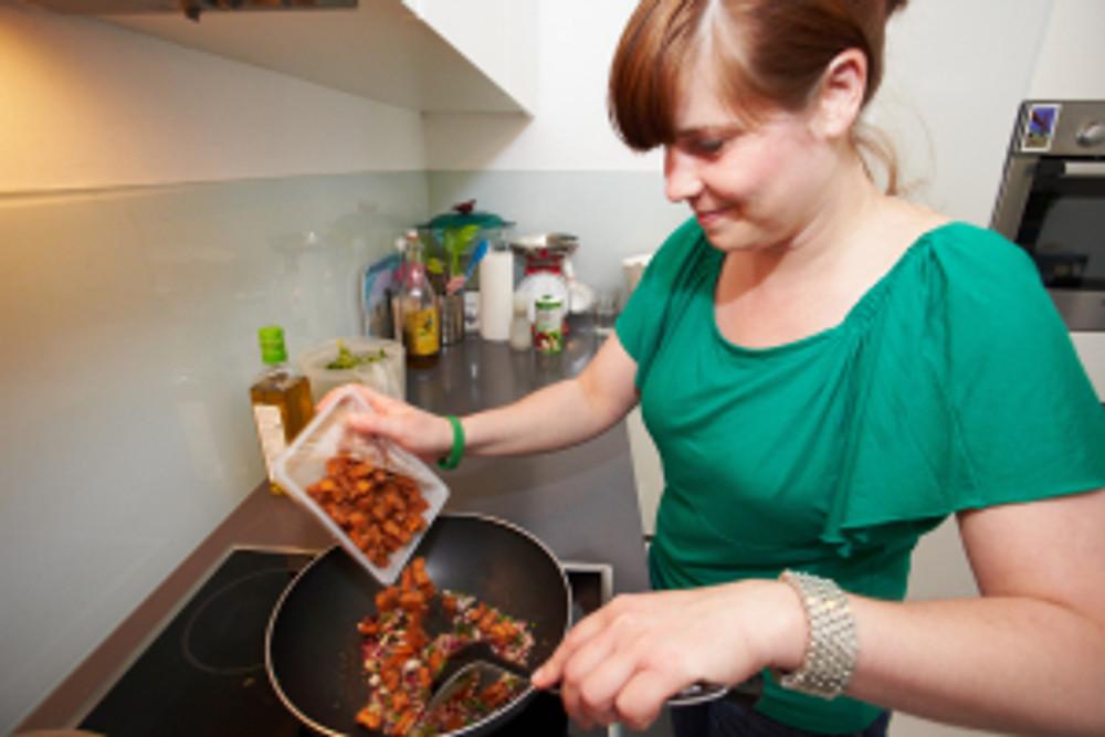 Veganiste Aline kookt voor Dier in Zicht