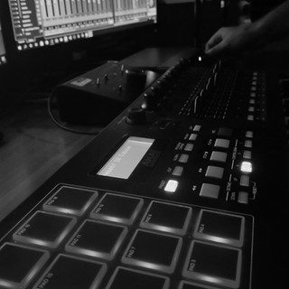 Mixing on MPK