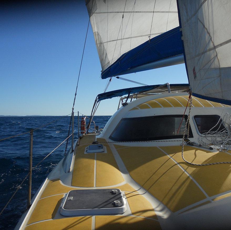 Nosy be, catamaran, excursion, croisière, charter, pêche, snorkeling, Nosy Iranja, Sakatia, plage, soleil,madagascar