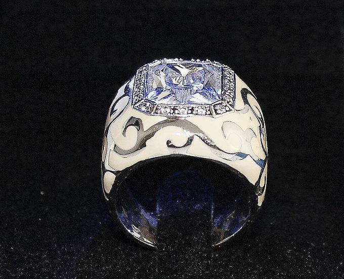 Zilveren Ring afgewerkt met Zirkonia's en hoofdsteen Zirkoni