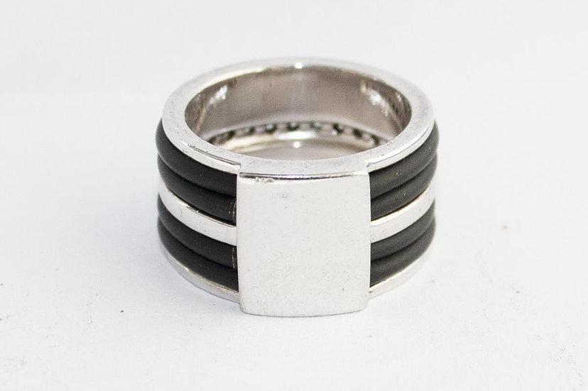 Zilveren Ring afgewerkt met Zirkonia's