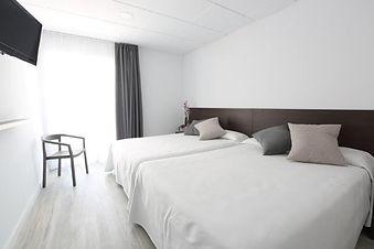 Don-Juan-Superior-Rooms-Bett.jpg