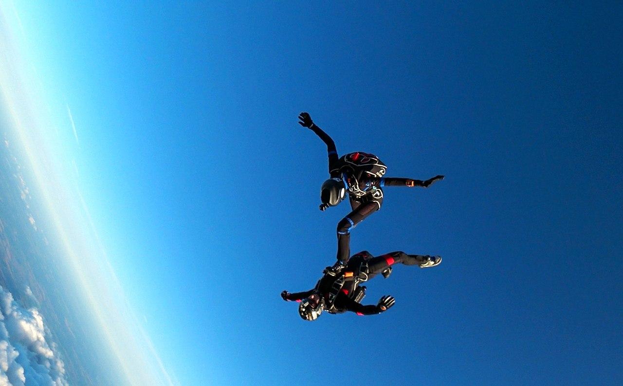 Красивый прыжок с парашютом