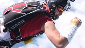 Сломанная рука еще не повод не прыгать с парашютом