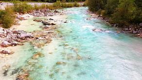 А вы видели неоновую реку?