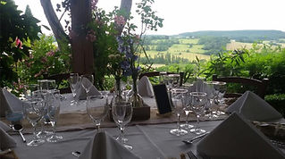Fabulous events management and catering for weddings, parties and business meetings throughout South-West France.