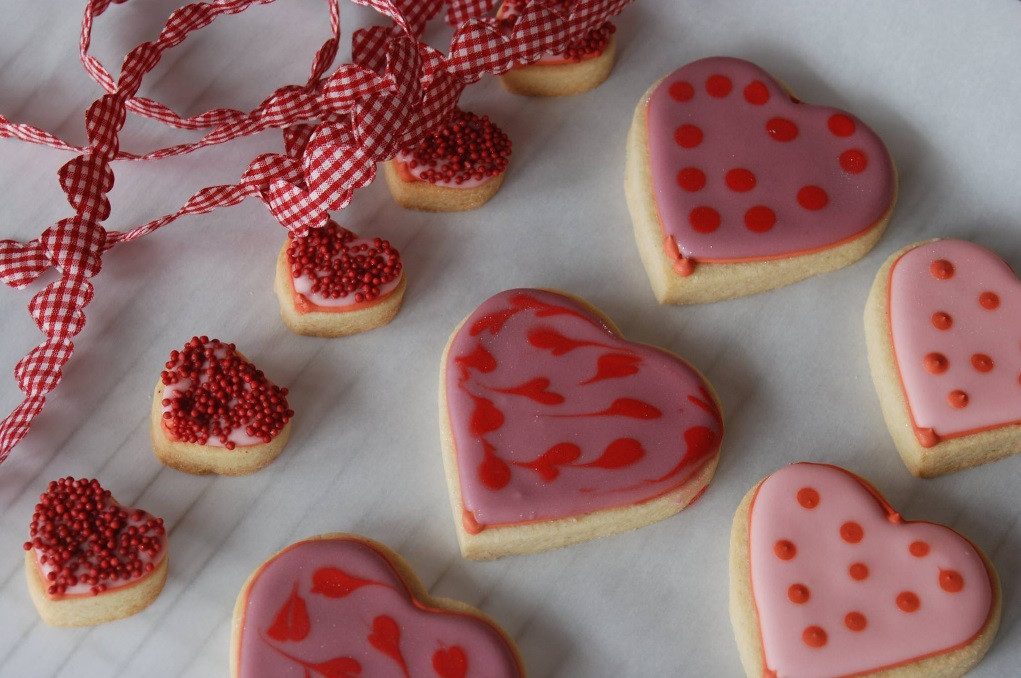 Dordogne wedding cakes - heart