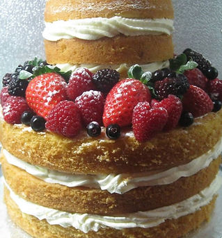 Delivering beautiful and utterly delicious wedding cake and cupcake creations throughout the Dordogne and Charente.