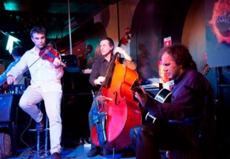 The Django Manouche Jazz band is available to hire as a duo, trio or quartet for weddings throughout South-West France.