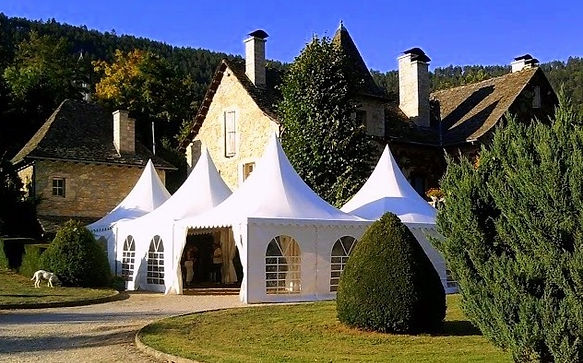Marquées, stretch tents, pagoda cottage tents and igloo pods to hire for weddings in Aquitaine and Midi-Pyrenées.