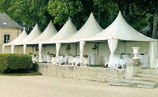 A large selection of marquees and tents for hire as well as furniture rental throughout Brittany and Pays de la Loire.