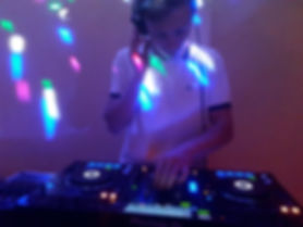 Bilingual British DJ with an extensive playlist and great sound system. Available throughout the South of France.