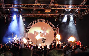 This fantastic pop/rock covers band has been delighting crowds in SW France for the past 15 years.