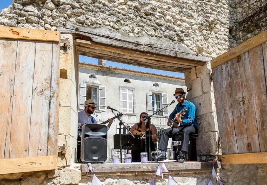 Slice of Life acoustic trio Paris
