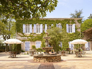 Relaxed wedding venue in Languedoc, south of France with heated pool. Sleeps 50 and caters for up to 150.