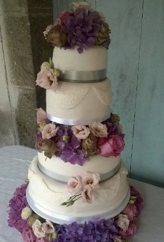 5 Creations Cake Boutique 1.jpg