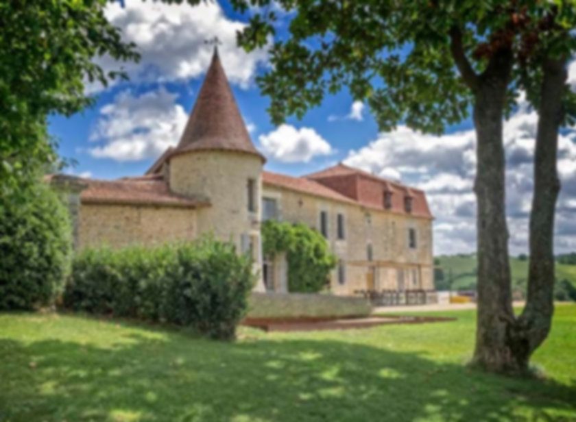 Elegant 15th century Chateau  in the Charante-Maritime