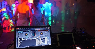 Wedding DJ for the best dance music in SW France