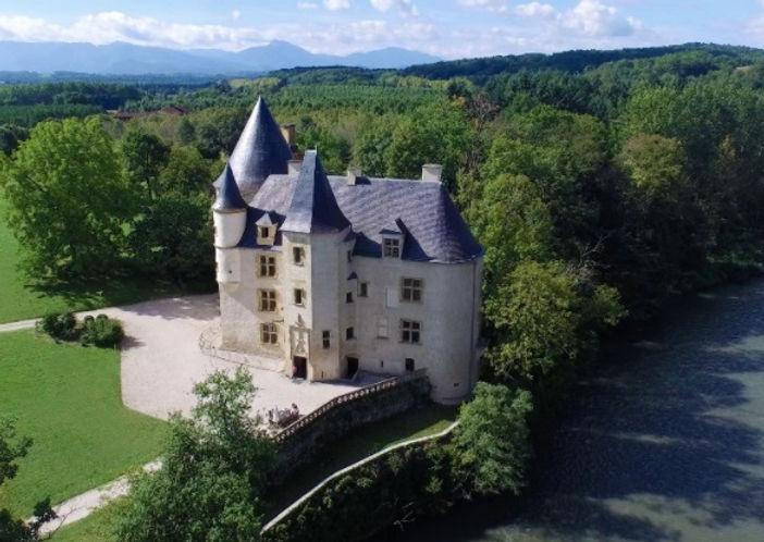 Garonne Riverside Chateau