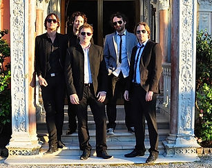 Eyeglass unites some of the French Riviera's most talented and successful English musicians for weddings throughout France.