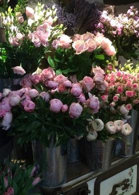 Annie wedding florist in Normandy