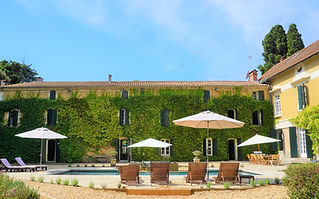 Delightful wedding venue with swimming pool set in a 175 acre vineyard in the South of France. Sleeps up to 14, caters up to 150