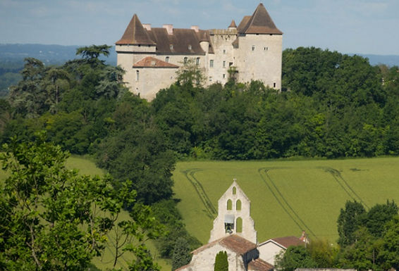 11th century chateau near Agen and Montauba