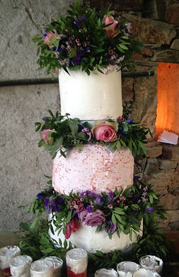 A bespoke wedding catering and styling service in South West France.