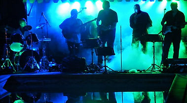 Live party band - Pop/ Rock/ R&B covers of the best songs for your wedding in France