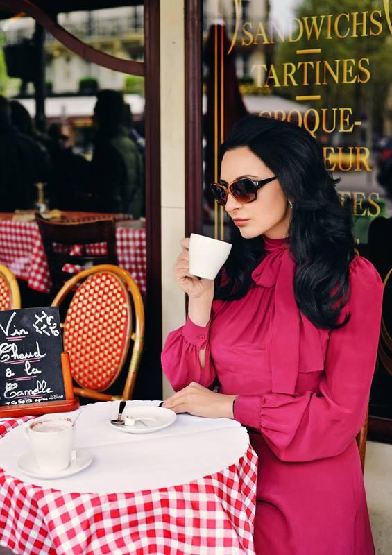 Personal Photoshoot Paris café