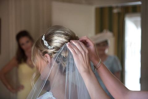 23 Inspiring Bridal Prep Photos!