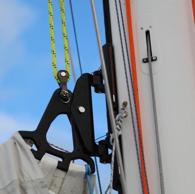 Mainsail Headboard