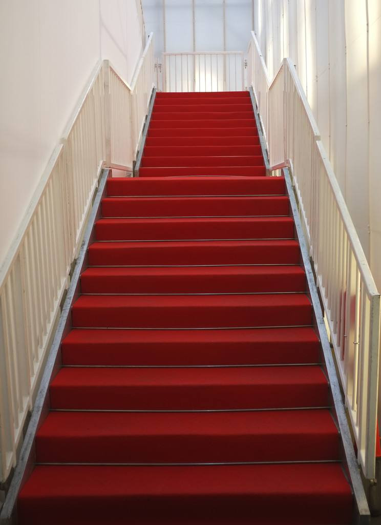 Staircase carpet, red carpet roll for stairs