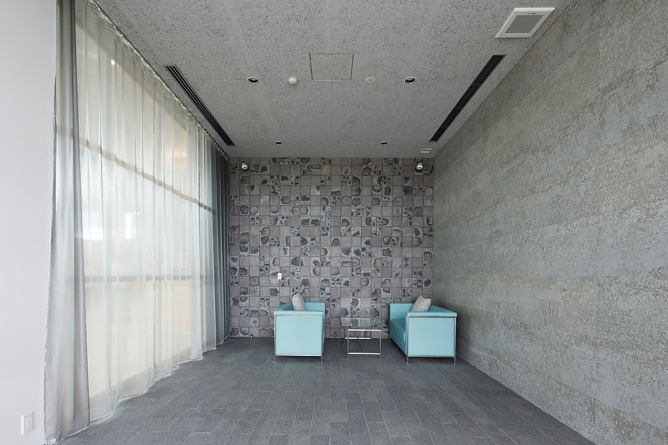J.spot今治_納車ルーム/矢野青山建築設計事務所