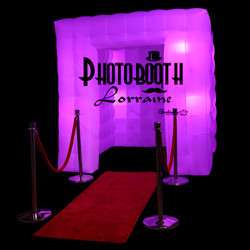 purple-booth-red-carpet