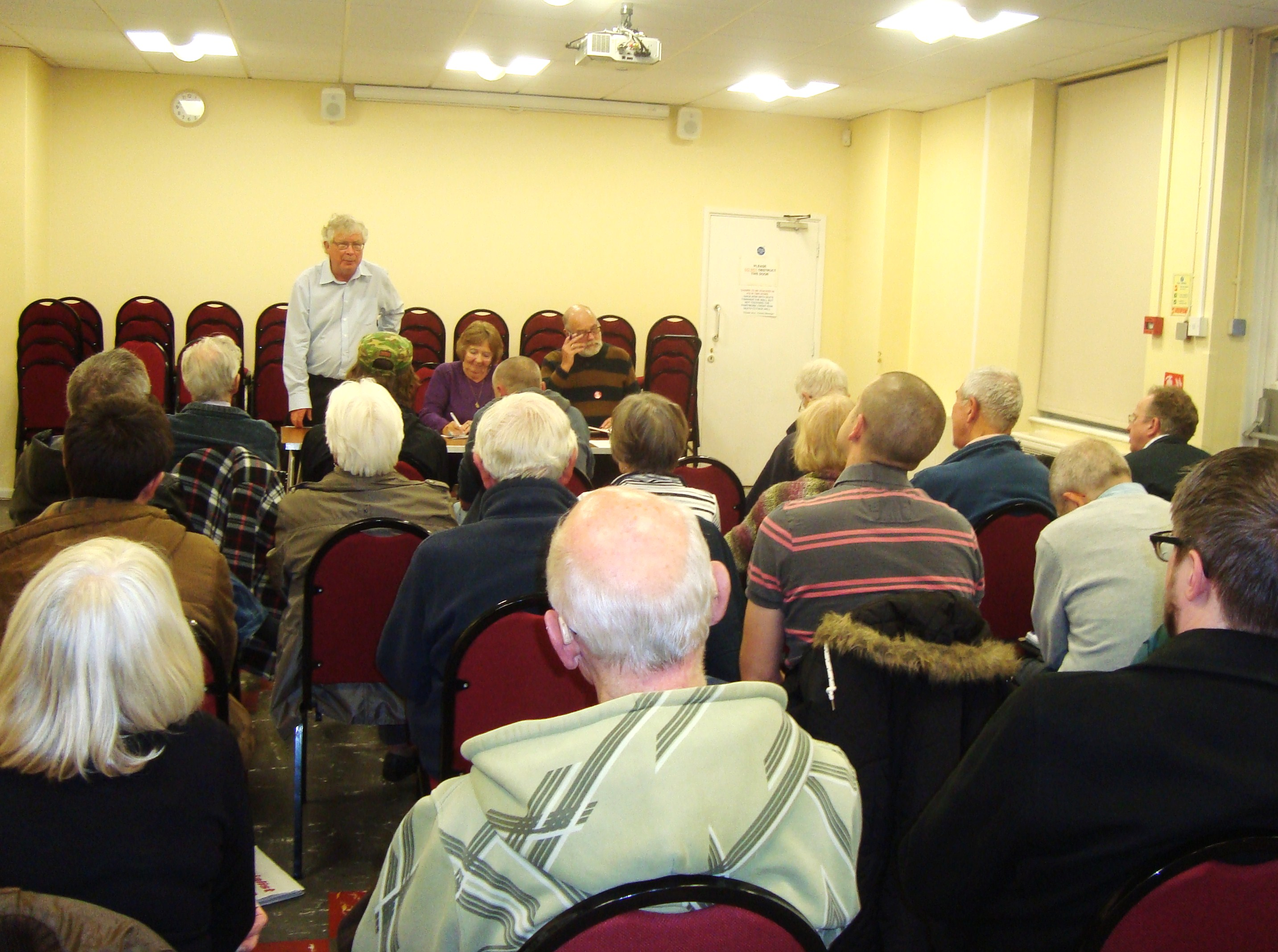 22.10.'14. DOCS NHS Public Meeting at Coopers Hill.JPG