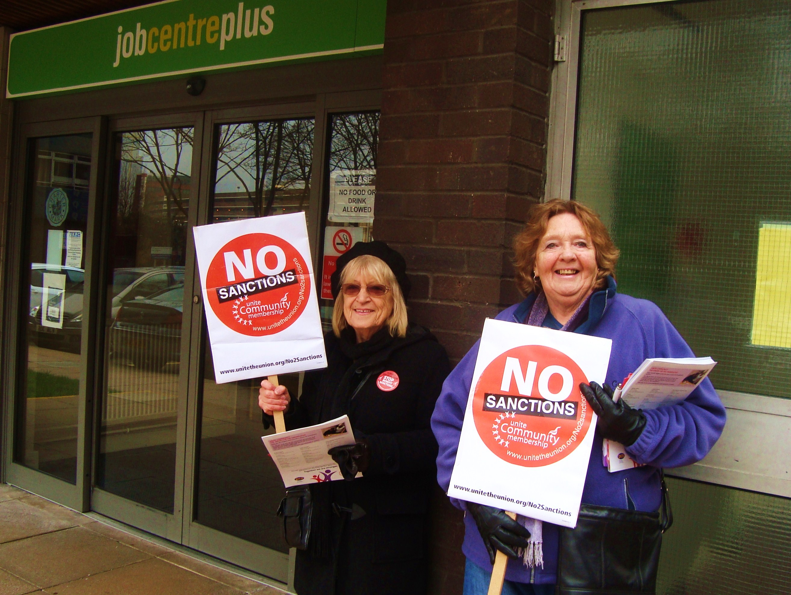 19.1.'15. Day of Action on Benefit Sanctions at Bracknell Job Centre.JPG
