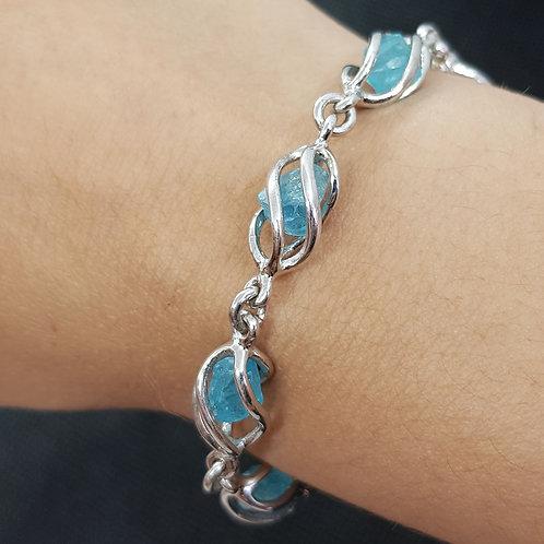 Silberarmband mit blauem Apatit von Starborncreations