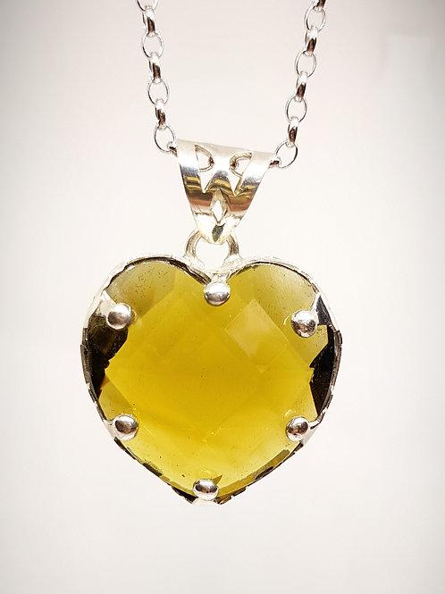 """Herzanhänger """"Crown"""" honigfarbener Obsidian gefasst in Silber"""