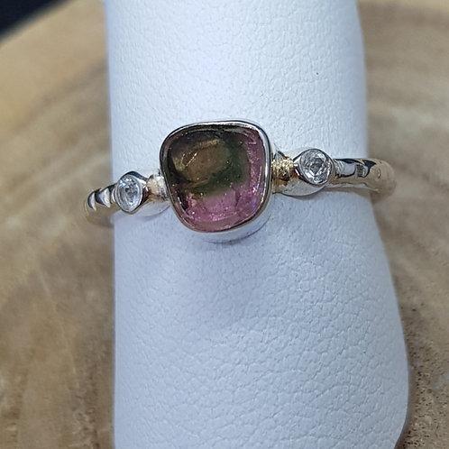 Silberring mit kleiner rosa/grüner Turmalinscheibe, von Starborncreations