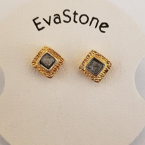 Designerohrstecker Silber, teilvergoldet, mit Rohdiamantwürfel, von EvaStone