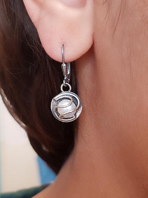 Fantasievoller Silberohrhänger mit diversen Steinen,von  Büttnerschmuck