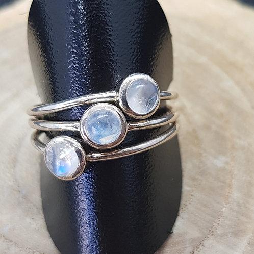 3-fach-Ring in Silber mit Regenbogenmondstein, von Starborn